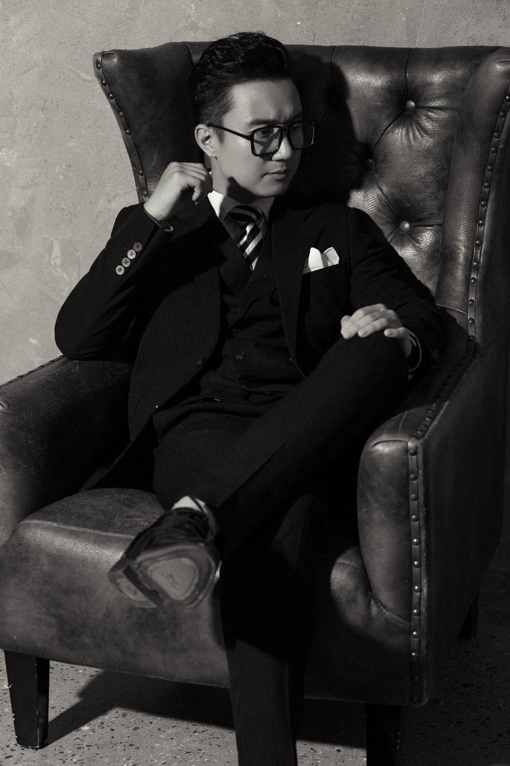 """MC """"chuyển động 24h"""" Sơn Lâm lịch lãm, hút mắt trong bộ ảnh mừng sinh nhật lần thứ 30 - Ảnh 5."""