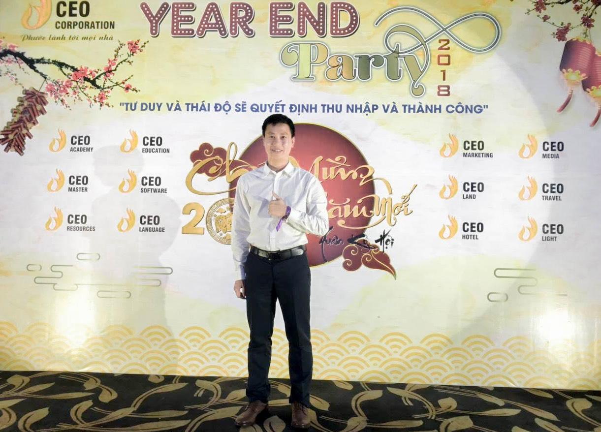 """Gặp thầy giáo """"quyền lực nhất khoa"""" được sinh viên trường Doanh Nhân CEO Việt Nam trìu mến gọi """"ba"""" - Ảnh 1."""