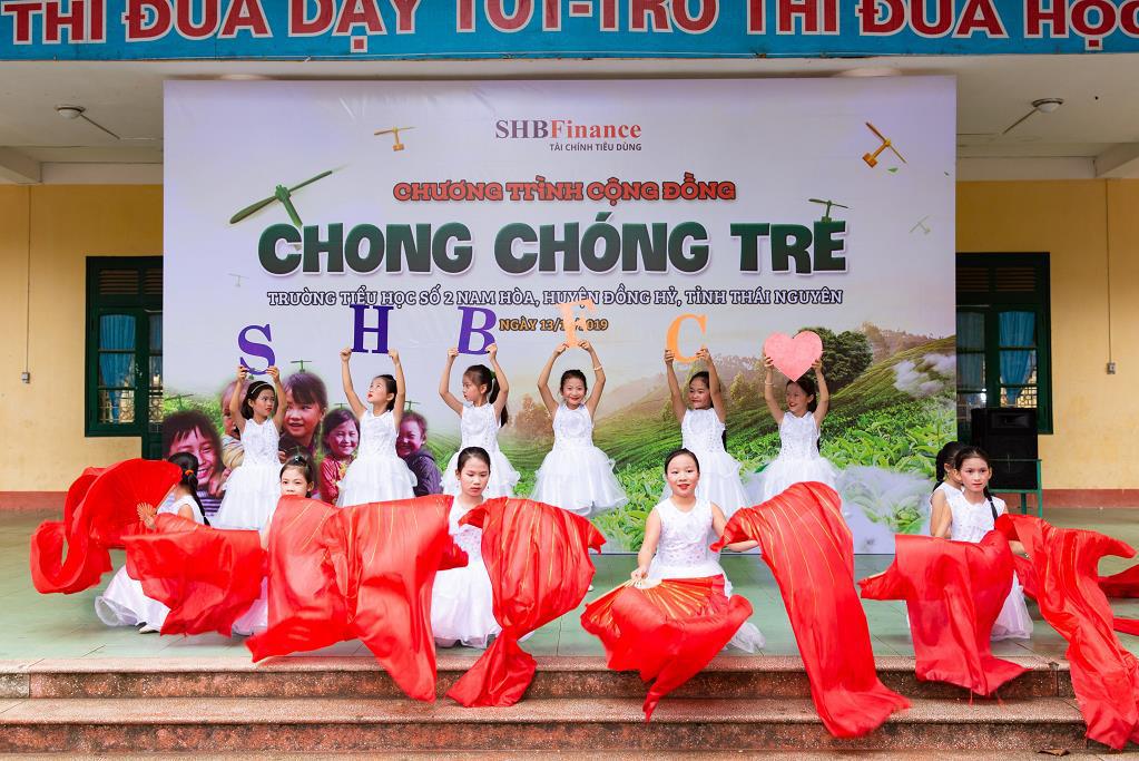 """SHB Finance mang tới chương trình ý nghĩa """"Chong chóng Tre"""" đến với trẻ em khó khăn - Ảnh 3."""