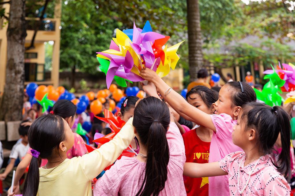 """SHB Finance mang tới chương trình ý nghĩa """"Chong chóng Tre"""" đến với trẻ em khó khăn - Ảnh 5."""
