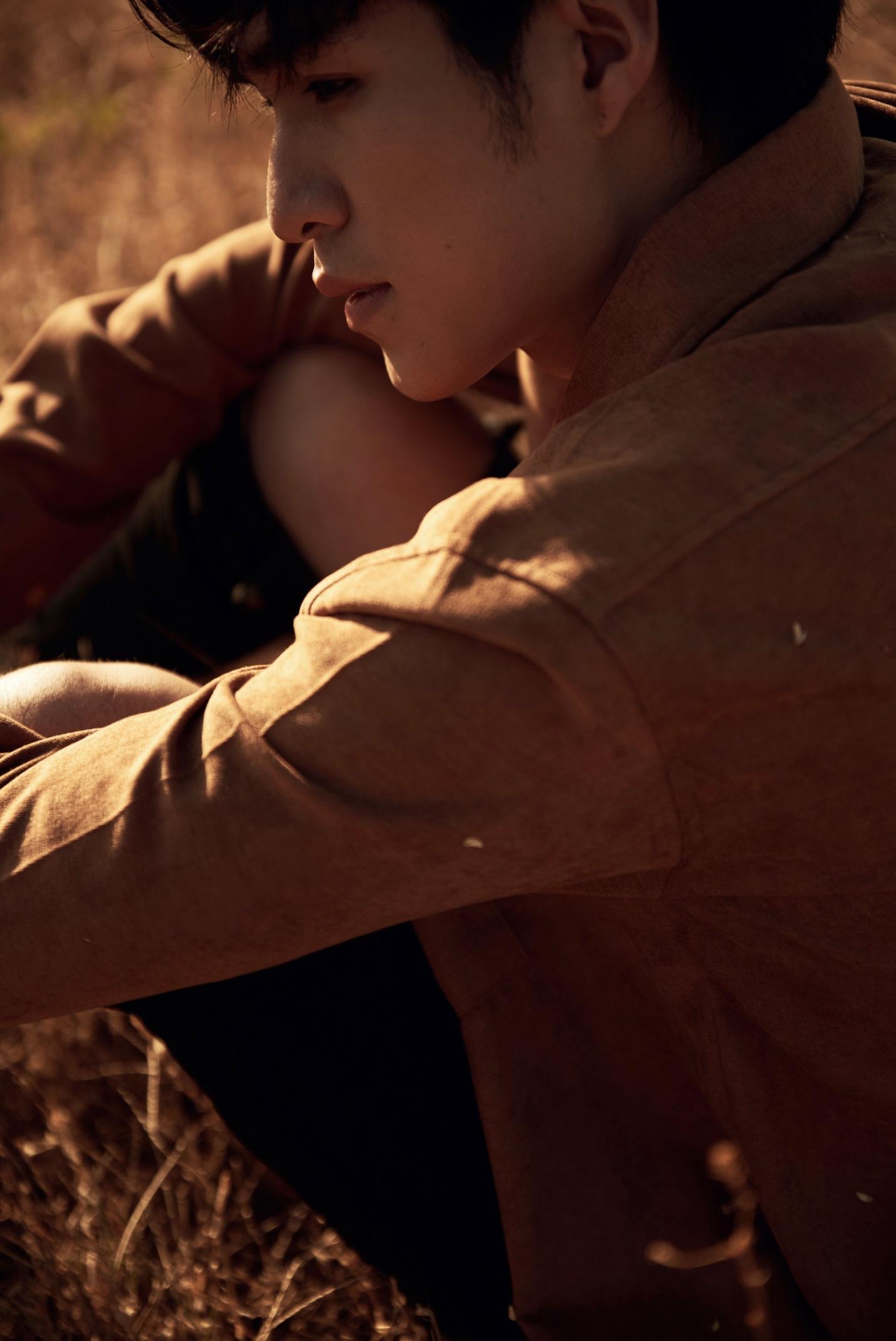 """""""Soái ca học đường"""" Otis Đỗ Nhật Trường gây bão MXH một thời tái xuất cực điển trai, hé lộ dự án debut trong tháng 11! - Ảnh 4."""