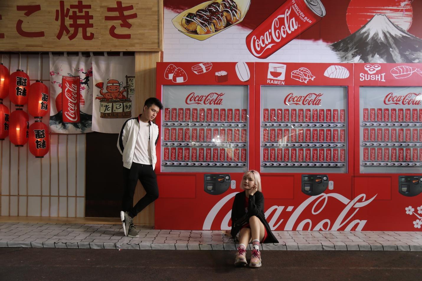 """Giới trẻ Sài thành đổ xô đi tìm """"vị mùa thu"""" tại Lễ hội Ẩm thực châu Á - Ảnh 6."""