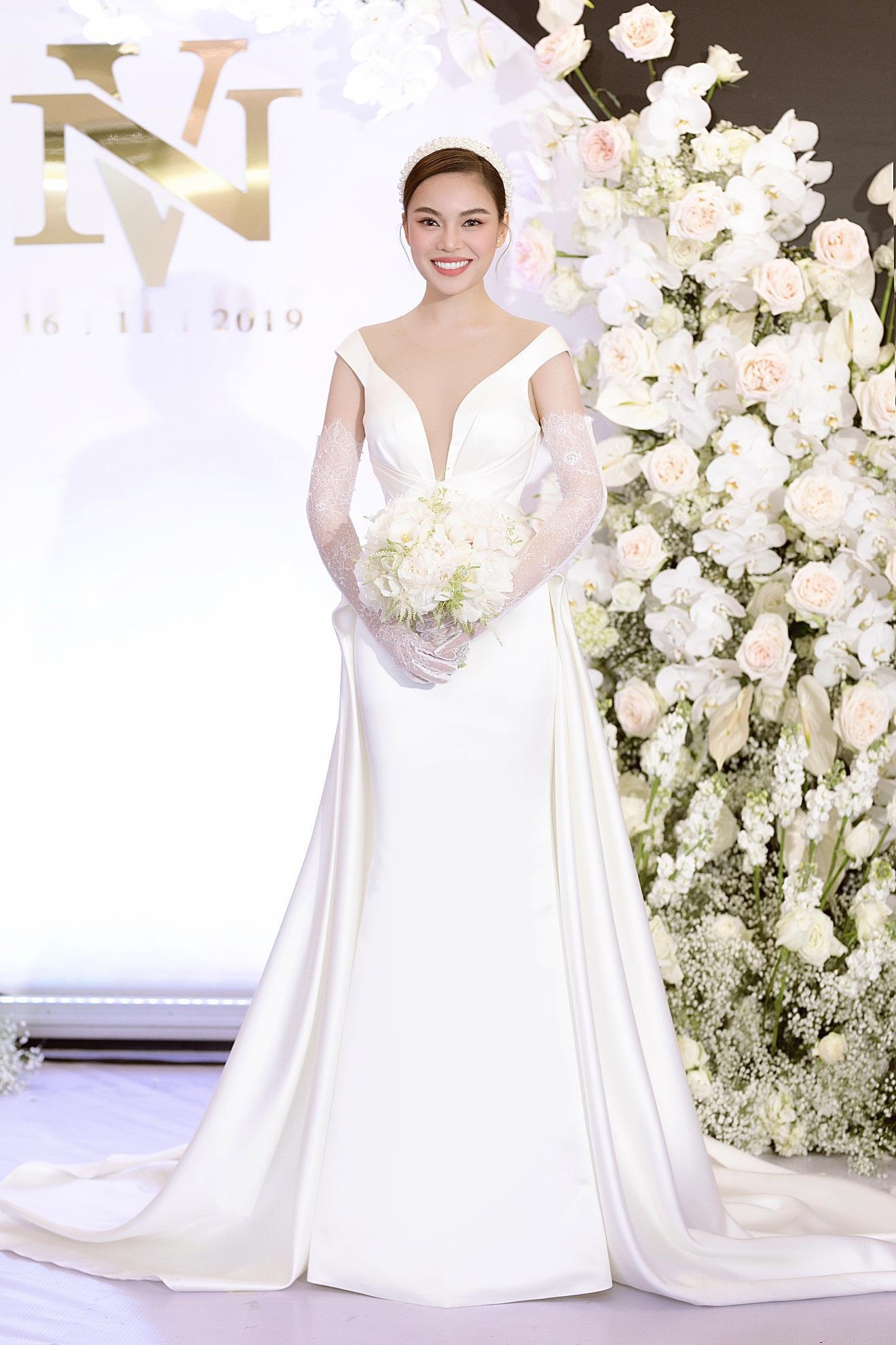 Ba mẫu váy cưới Hacchic Couture thực hiện cho Giang Hồng Ngọc kèm thông điệp ý nghĩa bất ngờ - Ảnh 2.