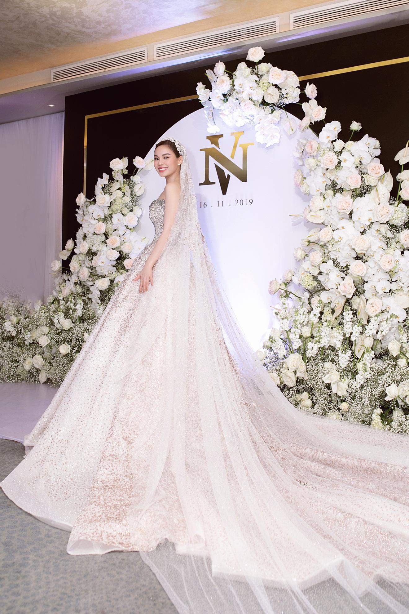 Ba mẫu váy cưới Hacchic Couture thực hiện cho Giang Hồng Ngọc kèm thông điệp ý nghĩa bất ngờ - Ảnh 7.