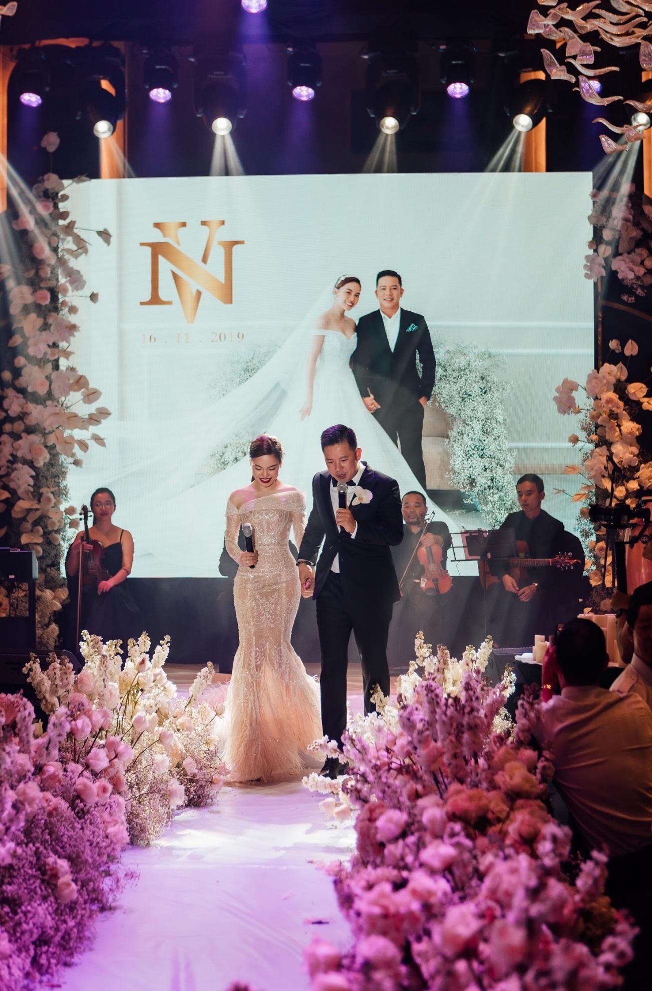Ba mẫu váy cưới Hacchic Couture thực hiện cho Giang Hồng Ngọc kèm thông điệp ý nghĩa bất ngờ - Ảnh 9.