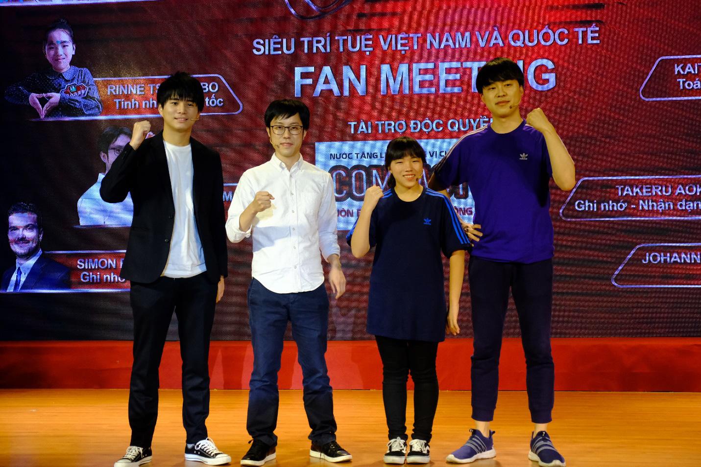 Dàn siêu trí tuệ quốc tế và Việt Nam bất ngờ hội ngộ khiến fan Việt vỡ òa - Ảnh 11.
