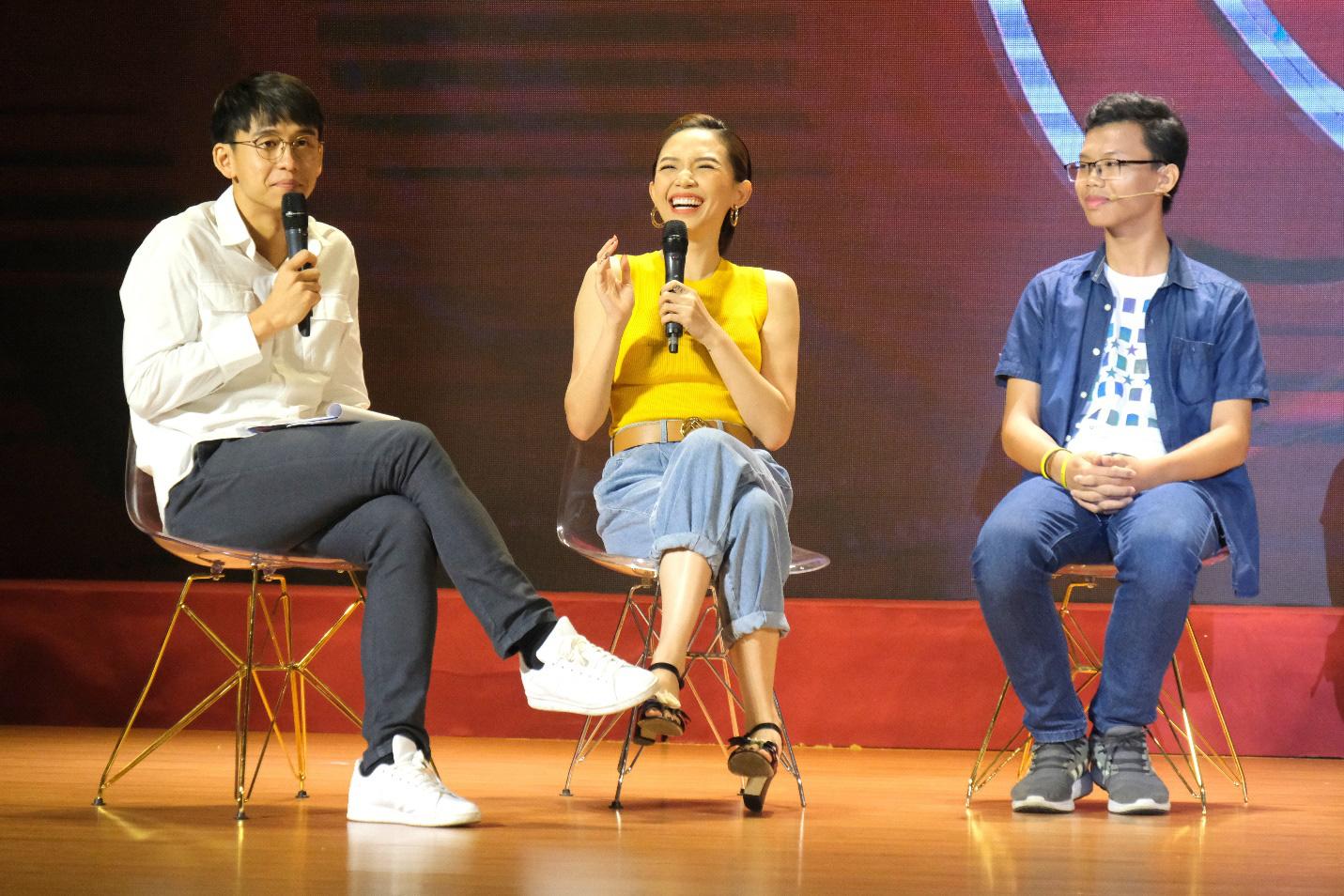 Dàn siêu trí tuệ quốc tế và Việt Nam bất ngờ hội ngộ khiến fan Việt vỡ òa - Ảnh 12.