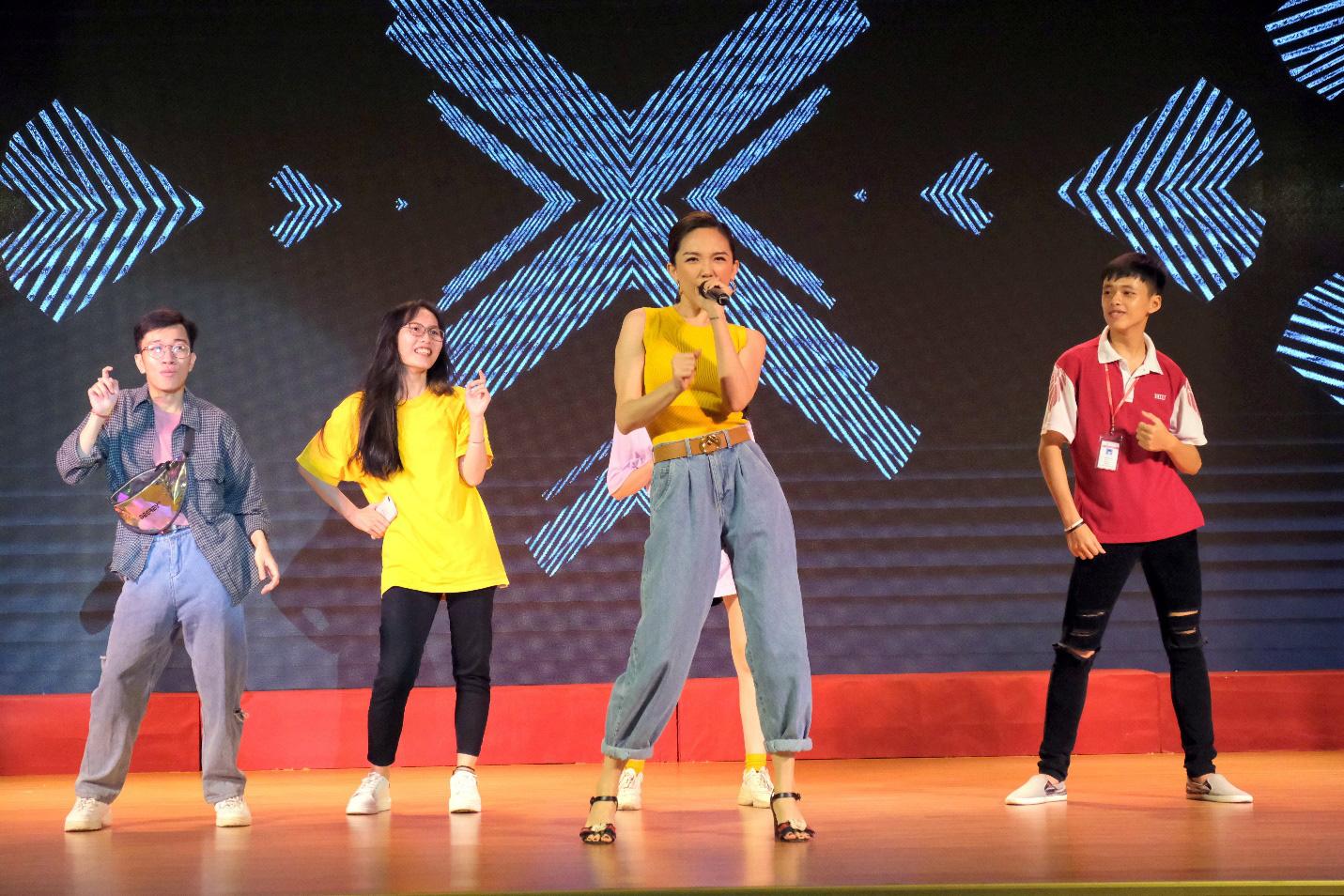 Dàn siêu trí tuệ quốc tế và Việt Nam bất ngờ hội ngộ khiến fan Việt vỡ òa - Ảnh 6.