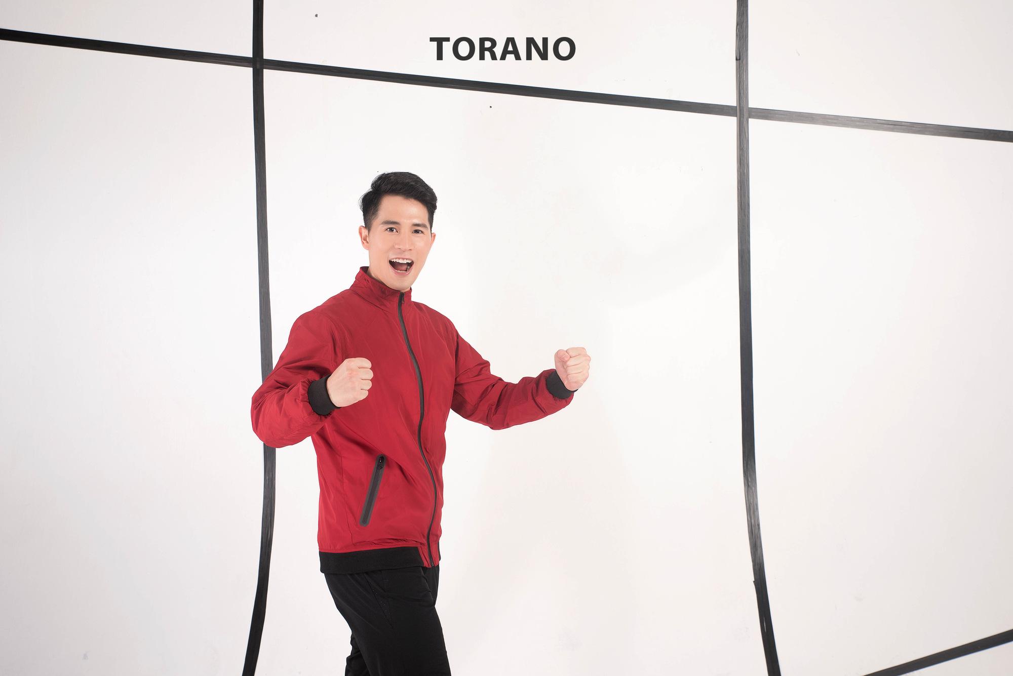 Đình Trọng bất ngờ khoe vẻ điển trai trong bộ sưu tập mới của Torano - Ảnh 2.