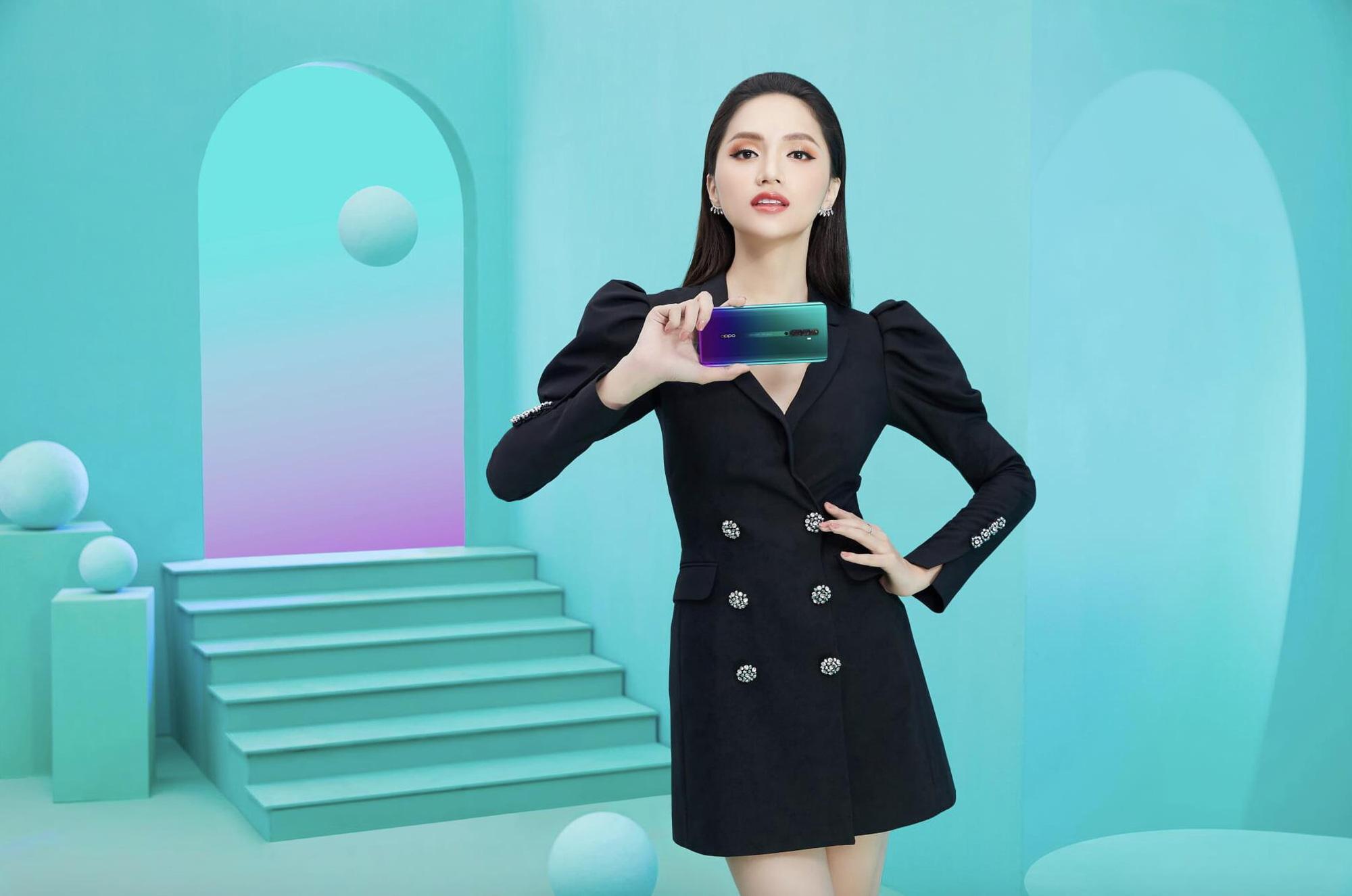 Săm soi chiếc điện thoại song hành cùng Hương Giang và Hoàng Thùy trong video mới nhất - Ảnh 4.