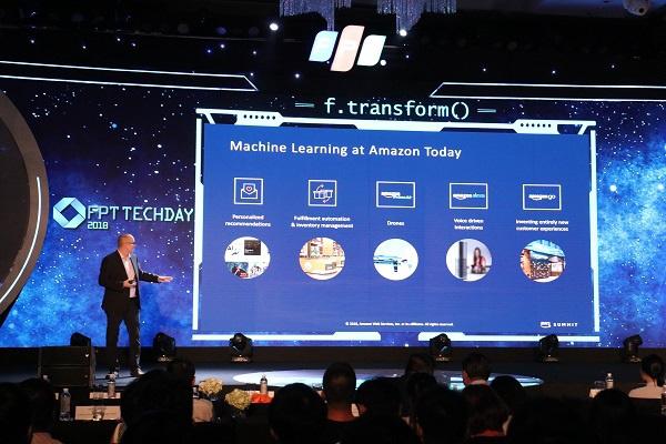 Hé lộ các bài học thực tiễn chuyển đổi số tại FPT Techday 2019 - Ảnh 1.