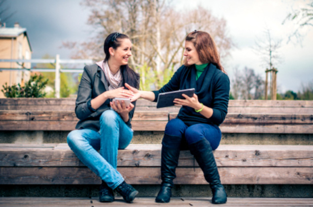 6 cách xây dựng mối quan hệ cho sinh viên mới ra trường - Ảnh 1.