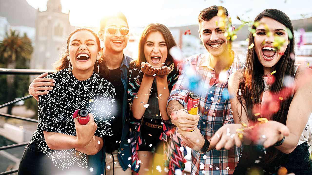 6 cách xây dựng mối quan hệ cho sinh viên mới ra trường - Ảnh 2.