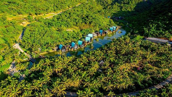 Điểm danh những khu nghỉ dưỡng xa xỉ hàng đầu Việt Nam - Ảnh 2.