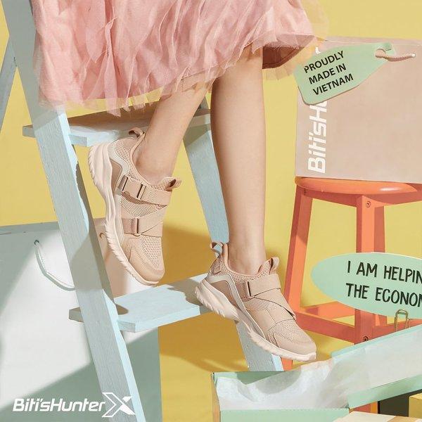 """Biến hóa tủ đồ cuối năm với 4 mẫu giày hễ xỏ chân là """"auto"""" xinh hết cỡ - Ảnh 1."""