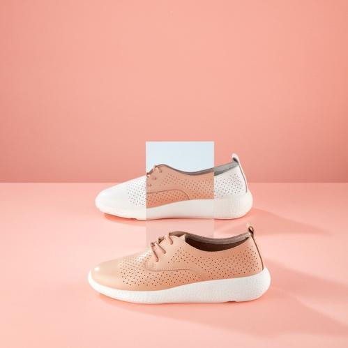 """Biến hóa tủ đồ cuối năm với 4 mẫu giày hễ xỏ chân là """"auto"""" xinh hết cỡ - Ảnh 3."""