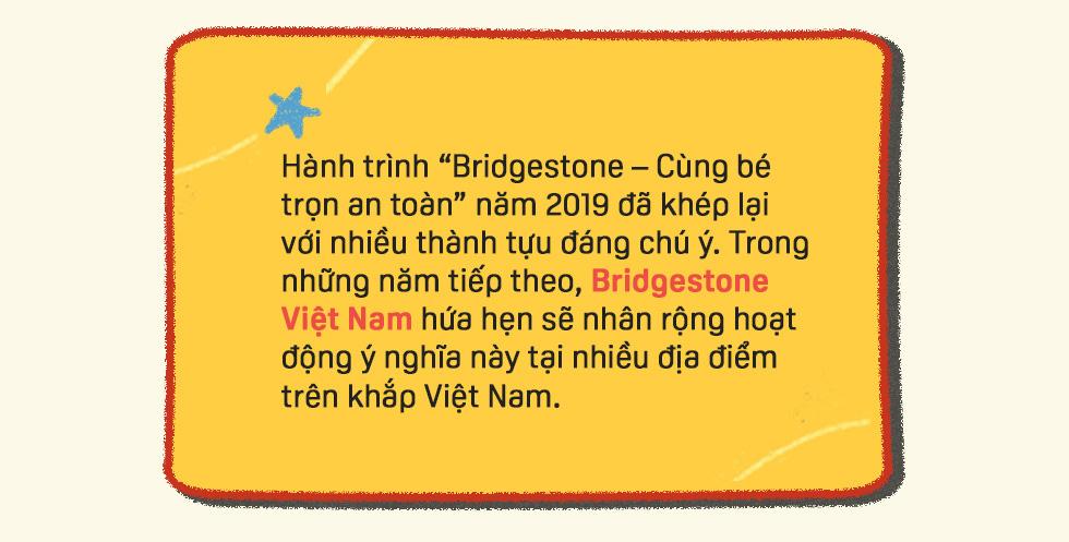Đường gập ghềnh đi tìm con chữ của trẻ em vùng cao: Có cầu mới, lũ mùa mưa không cuốn đi ước mơ của em - Ảnh 9.