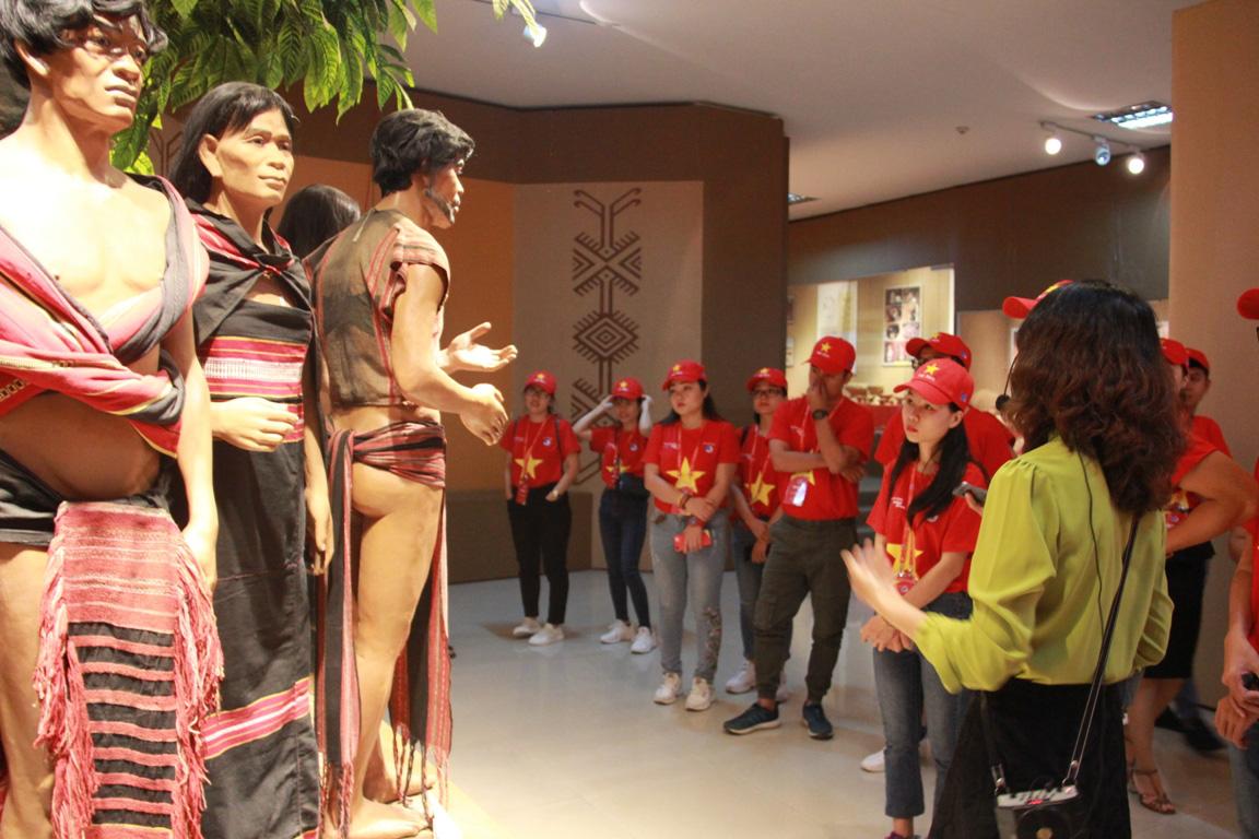 Thanh niên Tây Nguyên gìn giữ bản sắc dân tộc, bảo vệ tổ quốc - Ảnh 2.