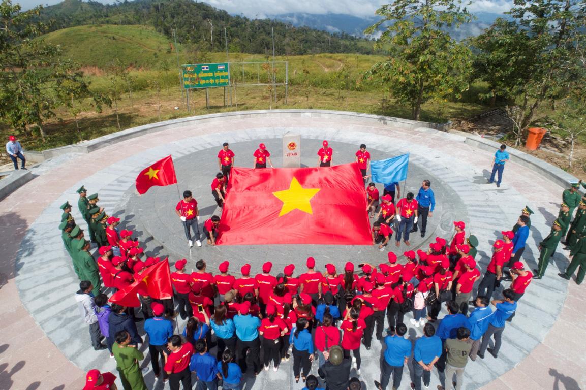 Thanh niên Tây Nguyên gìn giữ bản sắc dân tộc, bảo vệ tổ quốc - Ảnh 8.