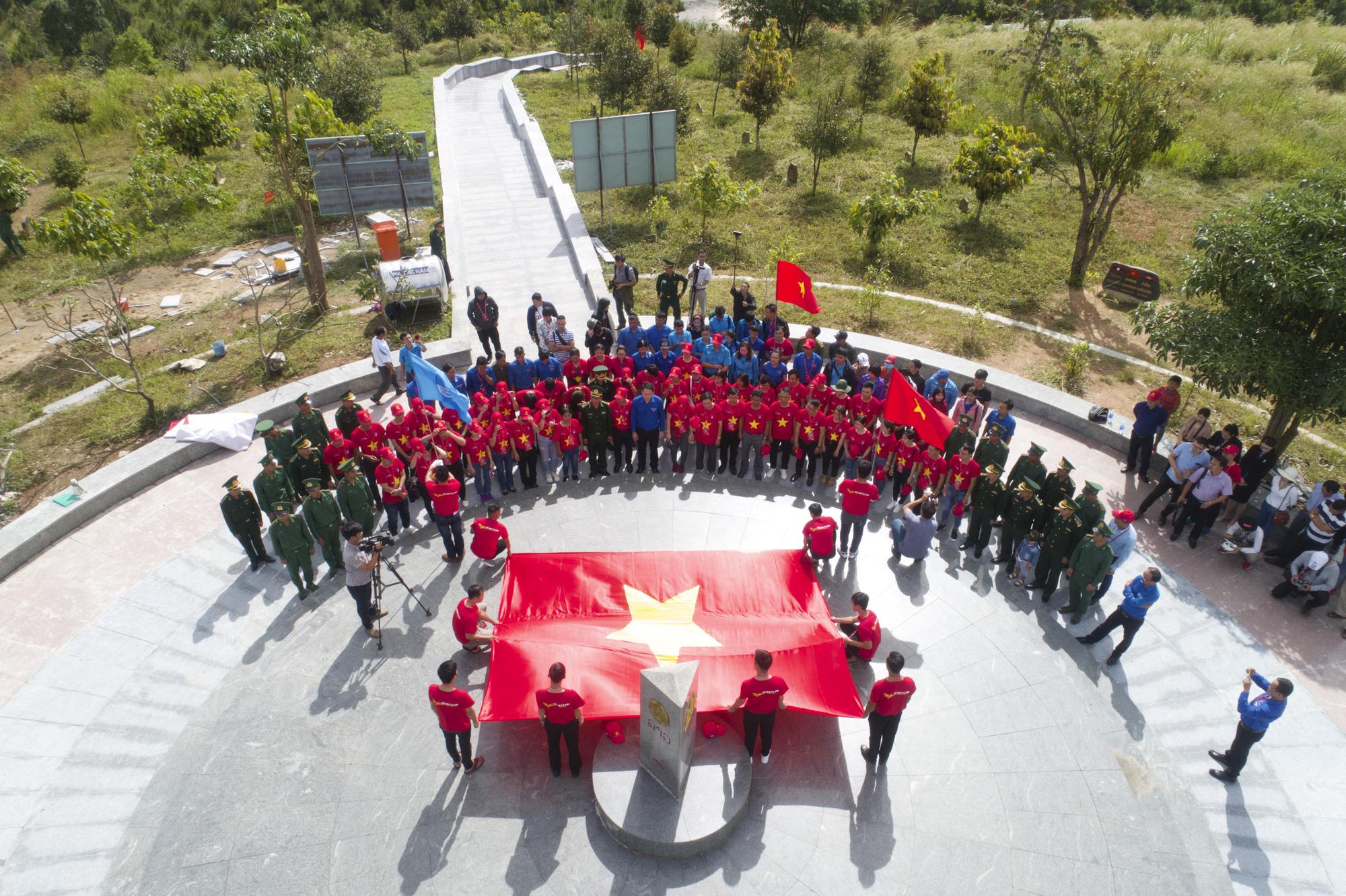 Thanh niên Tây Nguyên gìn giữ bản sắc dân tộc, bảo vệ tổ quốc - Ảnh 10.