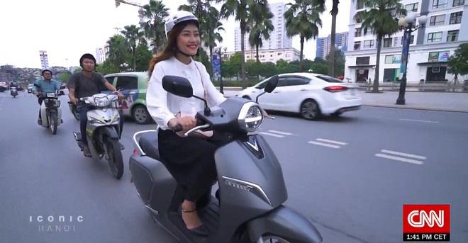 Xe máy điện VinFast được CNN chọn là 1 trong 5 biểu tượng mới của Hà Nội - Ảnh 1.