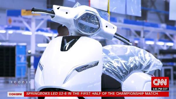 Xe máy điện VinFast được CNN chọn là 1 trong 5 biểu tượng mới của Hà Nội - Ảnh 3.