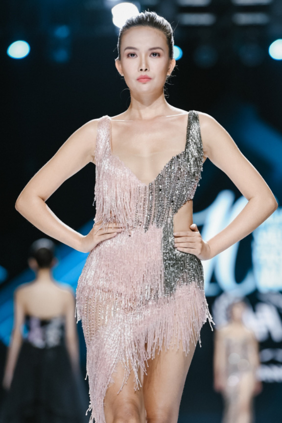 Muốn trở thành nữ hoàng của đêm tiệc cuối năm thì phải update ngay 7 gợi ý hot hit từ sàn catwalk - Ảnh 6.