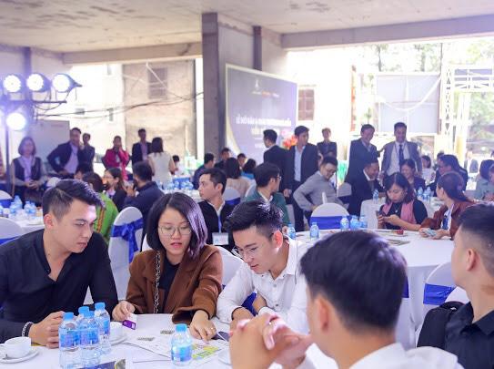 Lễ mở bán 200 căn hộ Viễn Đông Star đặc biệt thu hút khách hàng - Ảnh 1.