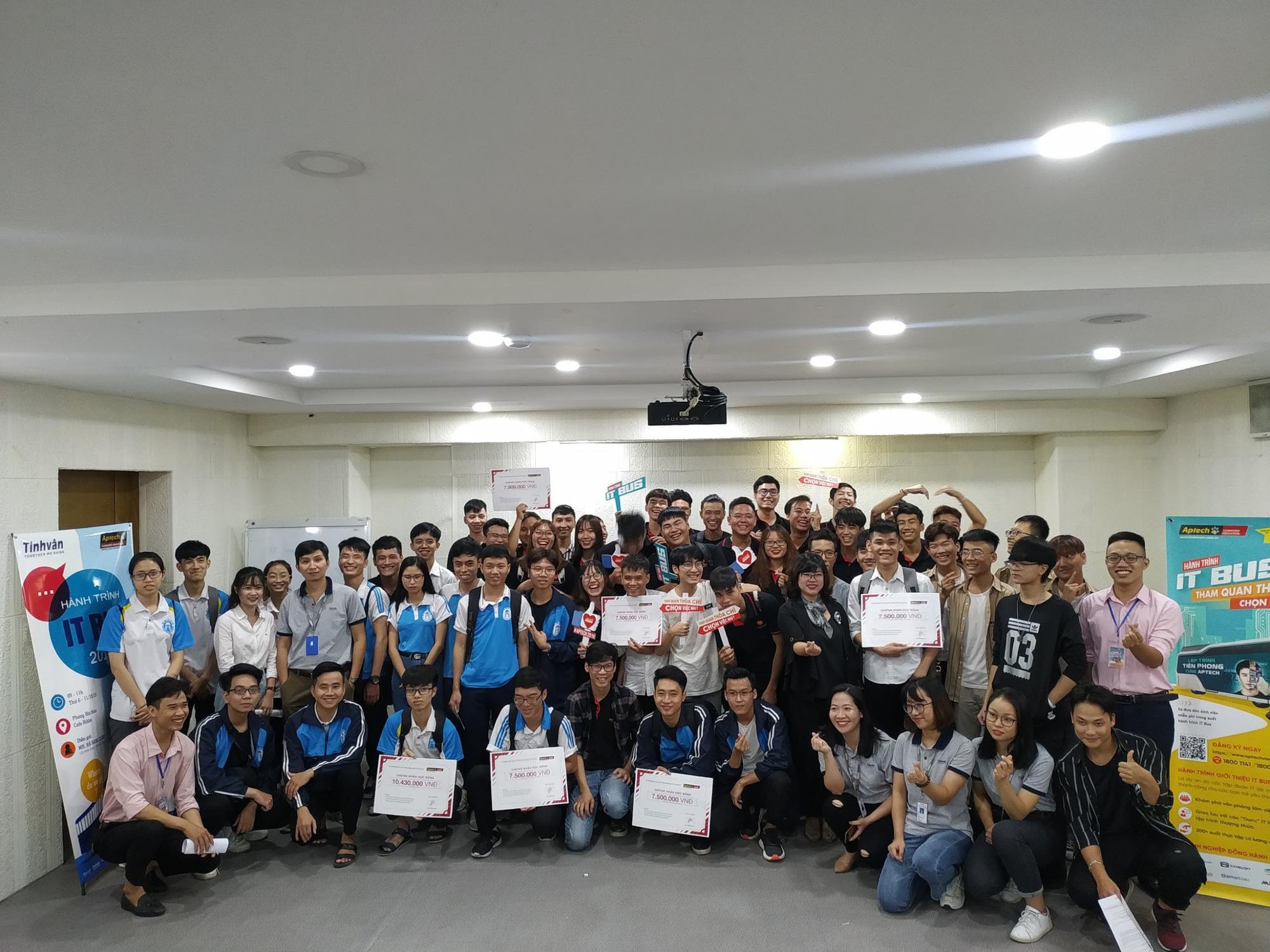 Đại học Khoa học Tự nhiên: Gần 1000 sinh viên hào hứng tham gia ngày hội hướng nghiệp 2019 - Ảnh 5.
