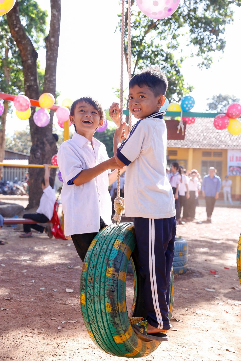 """Nhìn lại hành trình """"xanh"""" vẽ nên những nụ cười đầy ý nghĩa của Bridgestone cho học sinh tiểu học - Ảnh 7."""