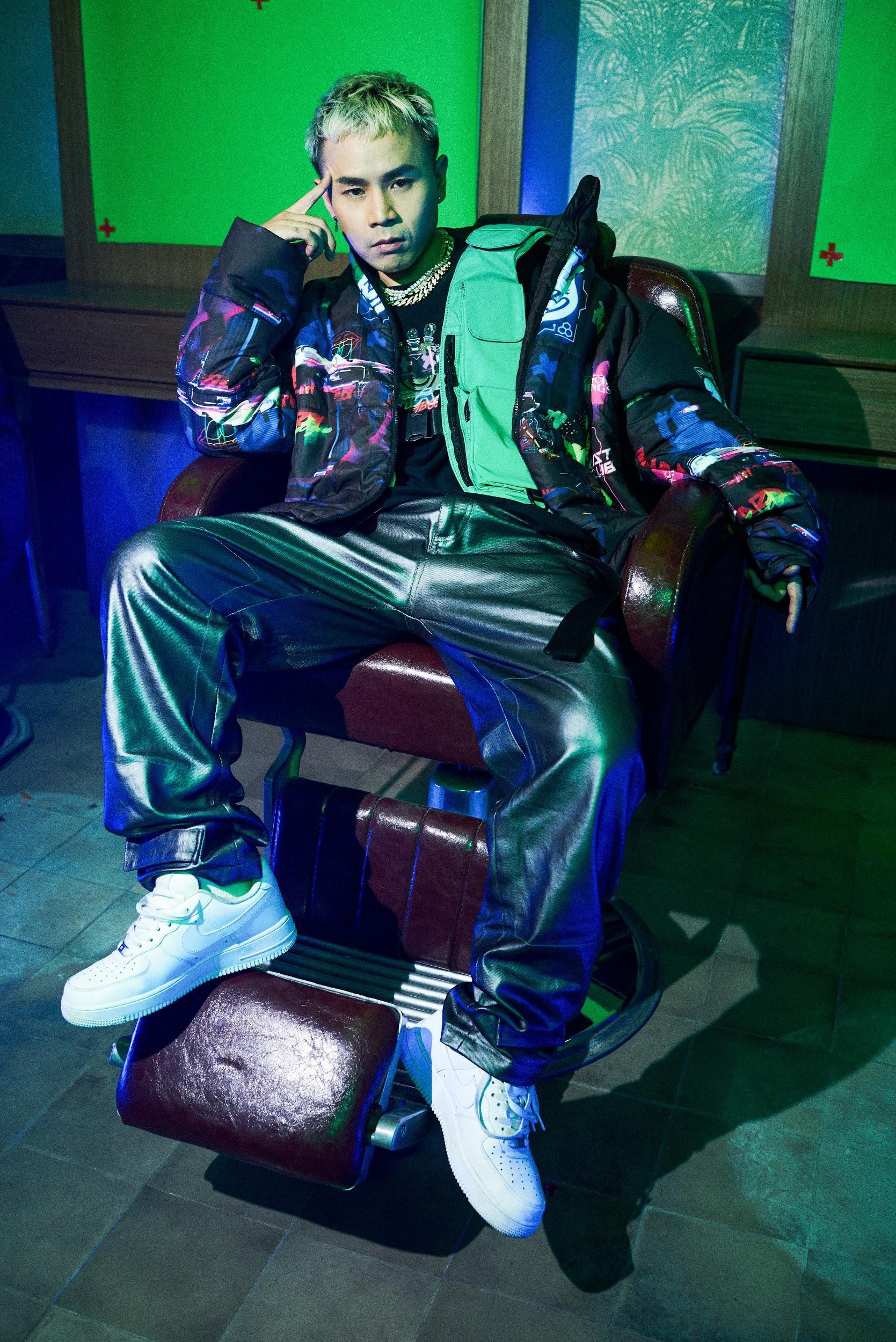 """Binz """"chơi lớn"""" cuối năm, ra mắt BST thời trang underground """"chất chơi"""" dành cho giới trẻ - Ảnh 1."""