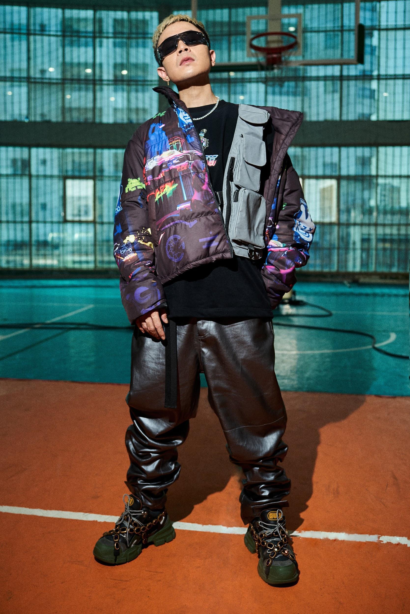 """Binz """"chơi lớn"""" cuối năm, ra mắt BST thời trang underground """"chất chơi"""" dành cho giới trẻ - Ảnh 4."""
