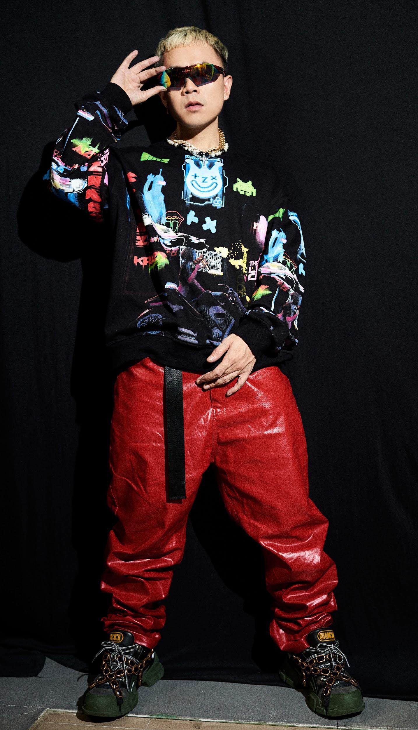 """Binz """"chơi lớn"""" cuối năm, ra mắt BST thời trang underground """"chất chơi"""" dành cho giới trẻ - Ảnh 7."""