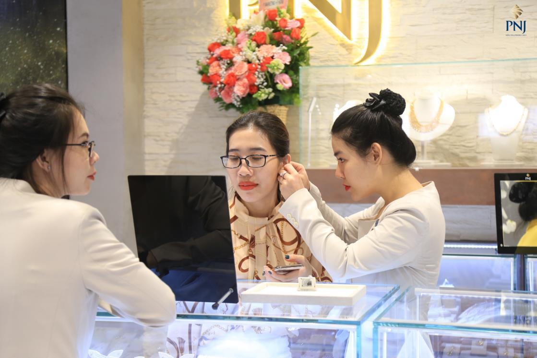 Giới trẻ Thủ đô mong chờ trải nghiệm không gian mua sắm trang sức và phụ kiện khác biệt tại PNJ Next - Ảnh 1.