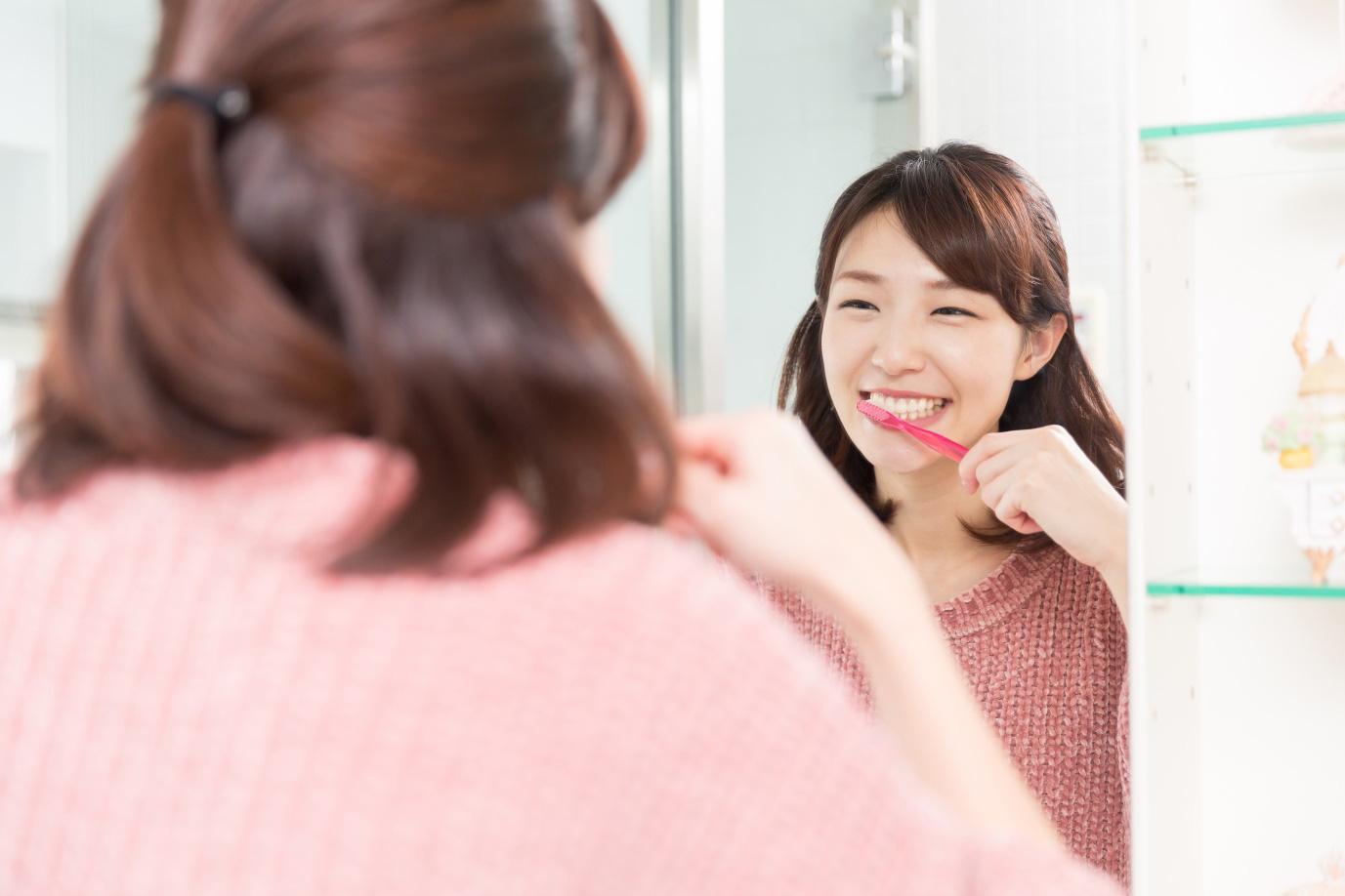 3 bí kíp đơn giản giúp răng giảm nhanh ê buốt, cho bạn thoải mái tận hưởng mùa lễ hội - Ảnh 2.