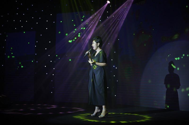"""Erik, Hoàng Yến Chibi cùng dàn ca sĩ hứa hẹn """"bùng nổ"""" tại Gala trao giải """"Gương mặt Điện ảnh và Truyền hình hôm nay"""" - Ảnh 7."""