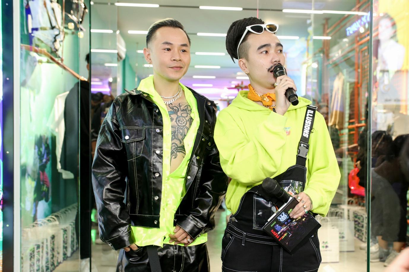 gioi streetwear te tuu dong nghet tham gia buoi ra mat bo suu tap thoi trang chuan xin clownzxbinz