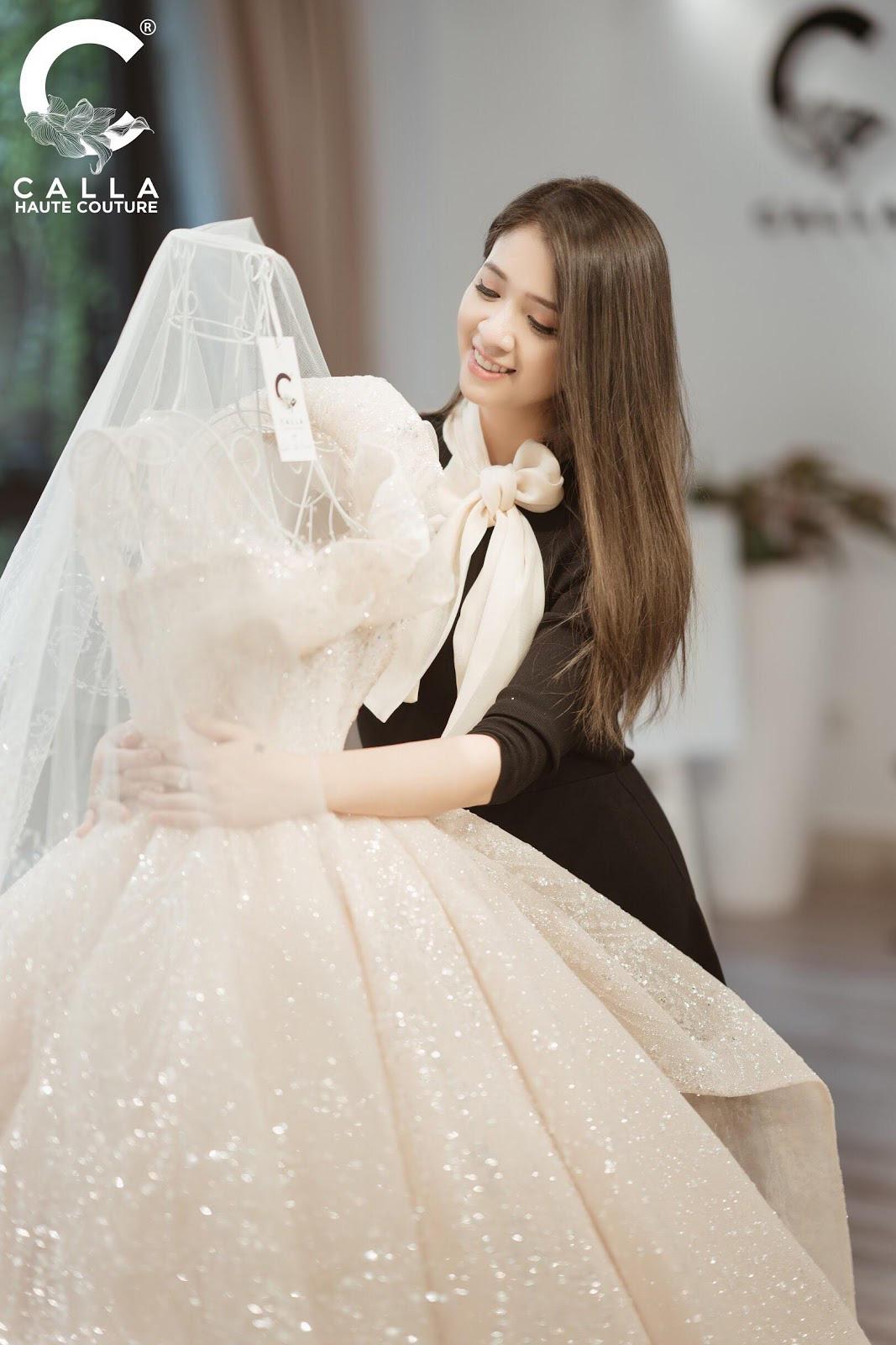 """Calla Haute Couture For Linh Chi - Điều kỳ diệu mang tên """"nàng thơ xứ Huế"""" - Ảnh 6."""