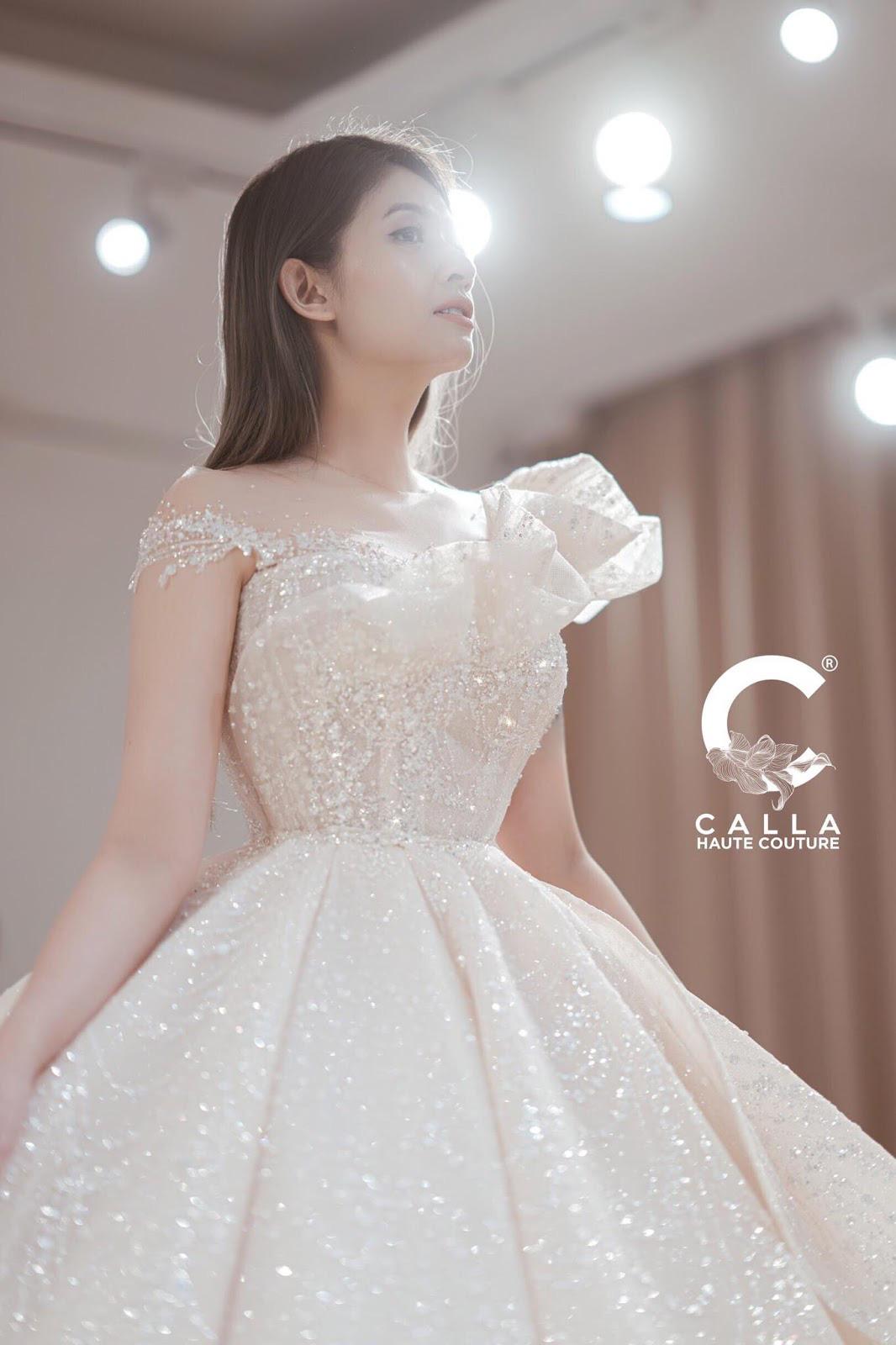 """Calla Haute Couture For Linh Chi - Điều kỳ diệu mang tên """"nàng thơ xứ Huế"""" - Ảnh 3."""
