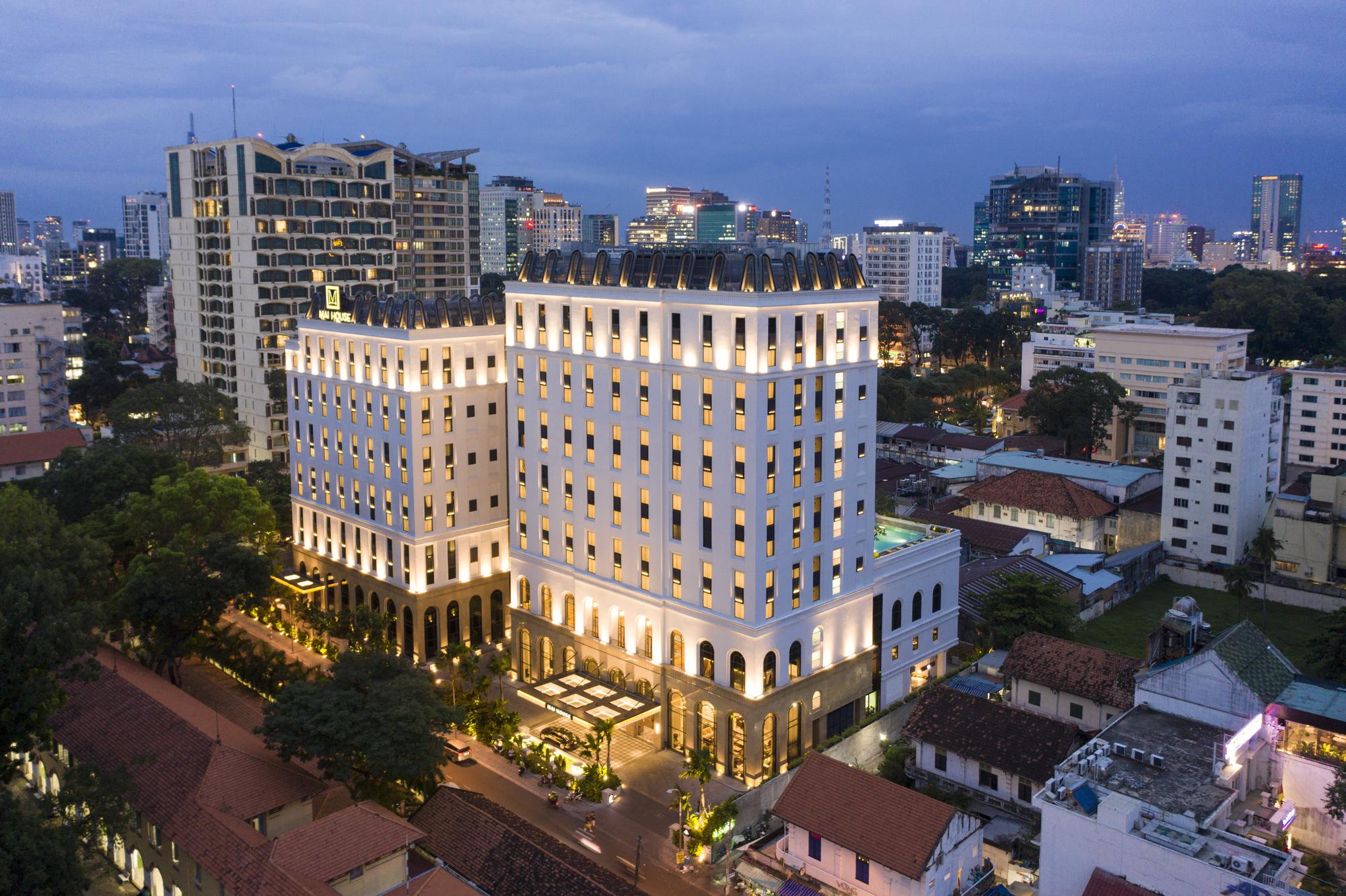 FESTIVE SEASON - Tận hưởng không gian Giáng sinh ấm cúng và an lành cùng Mai House Saigon - Ảnh 1.