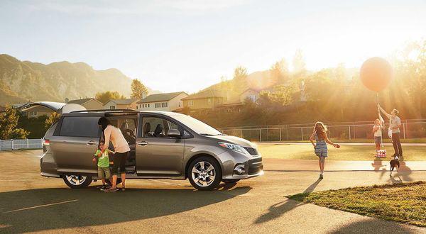 Bí quyết vay mua ô tô dịp cuối năm hưởng nhiều ưu đãi - Ảnh 2.