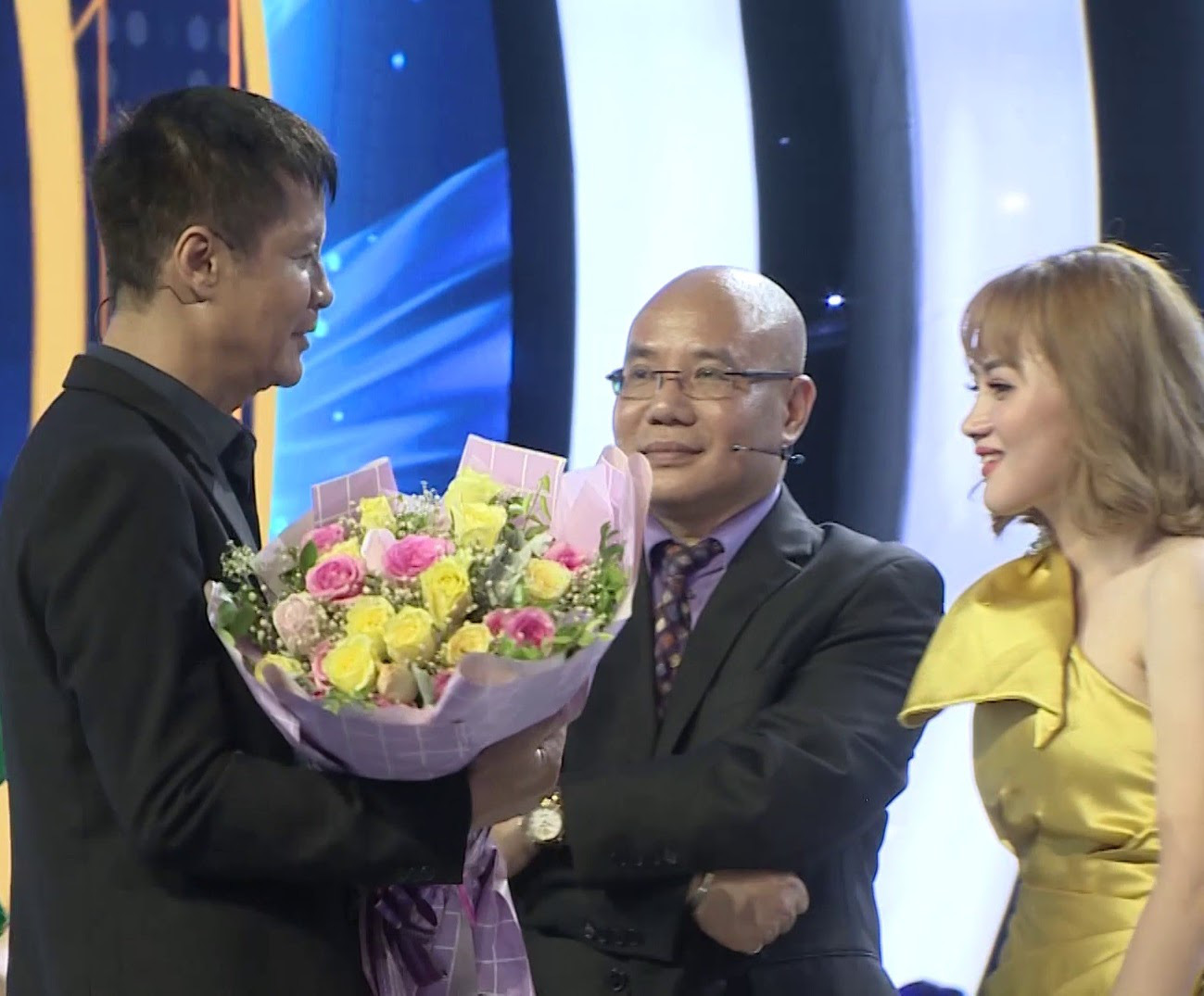 """Đạo diễn Lê Hoàng phát ngôn chặt chém nhưng vẫn """"rất tình"""" trong show thẩm mỹ - Ảnh 2."""