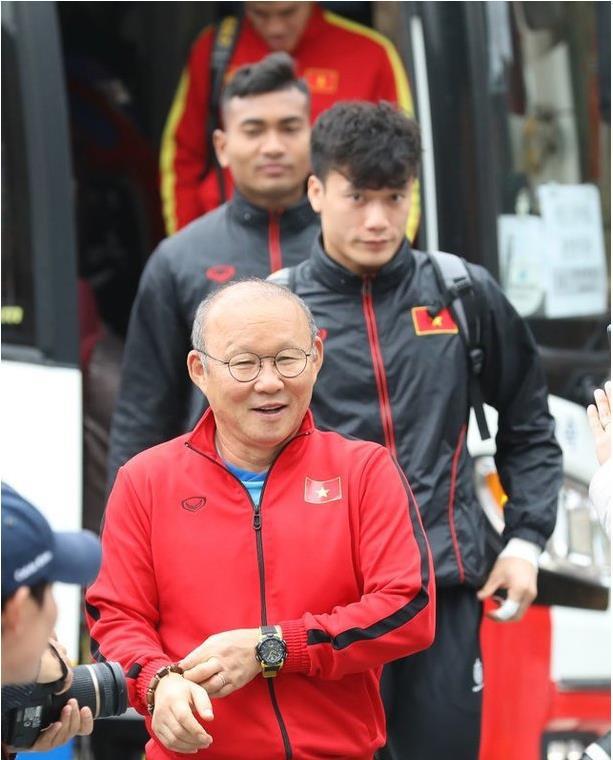 Xứ sở nhân sâm đã chào đón thầy Park và đội tuyển U23 Việt Nam sang tập huấn thế nào? - Ảnh 1.