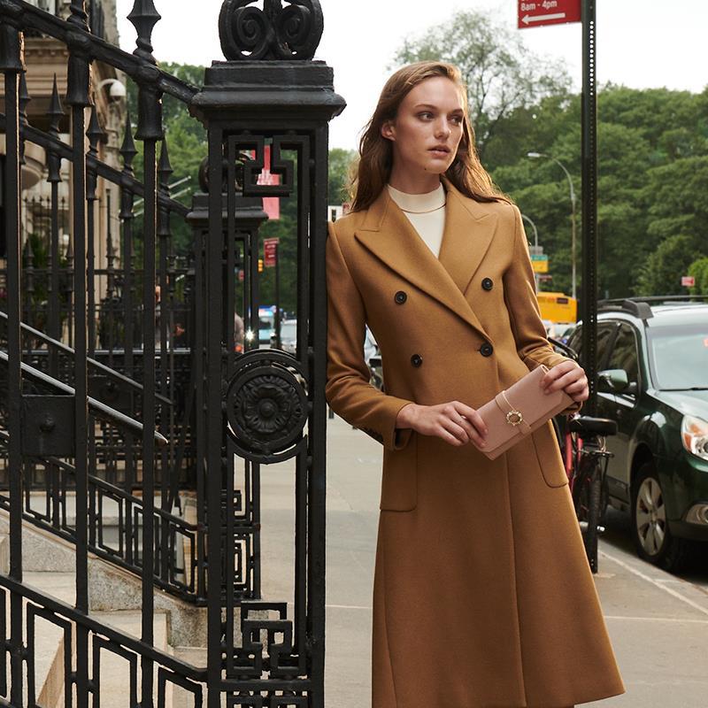Đặc trưng tạo nên phong cách thời trang street wear chính là sự kết hợp giữa outfit với giày - túi - Ảnh 5.