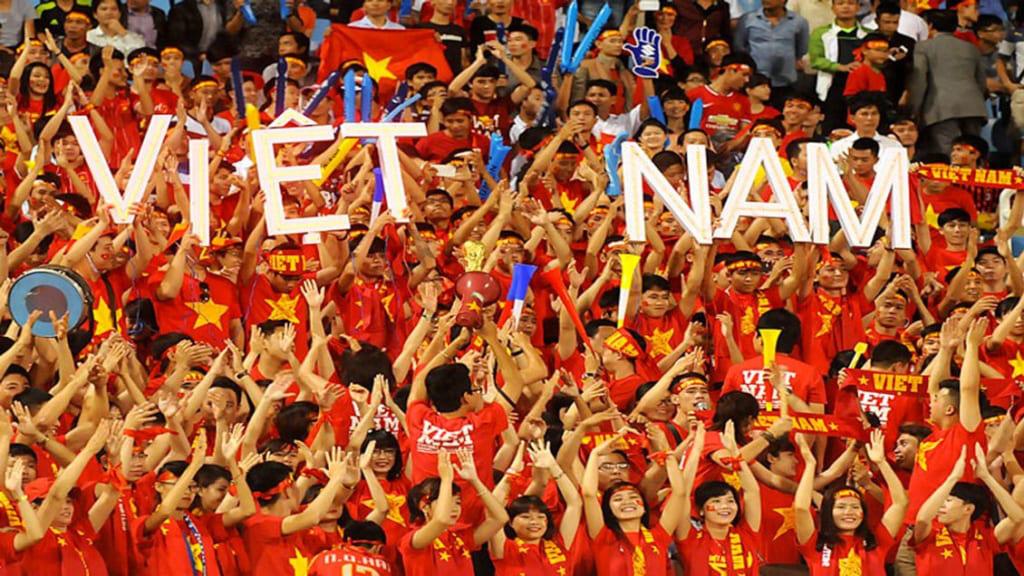 Trước thềm trận đấu Việt Nam – Campuchia: Cùng nhau vang tiếng hét cổ vũ cho đội tuyển - Ảnh 1.