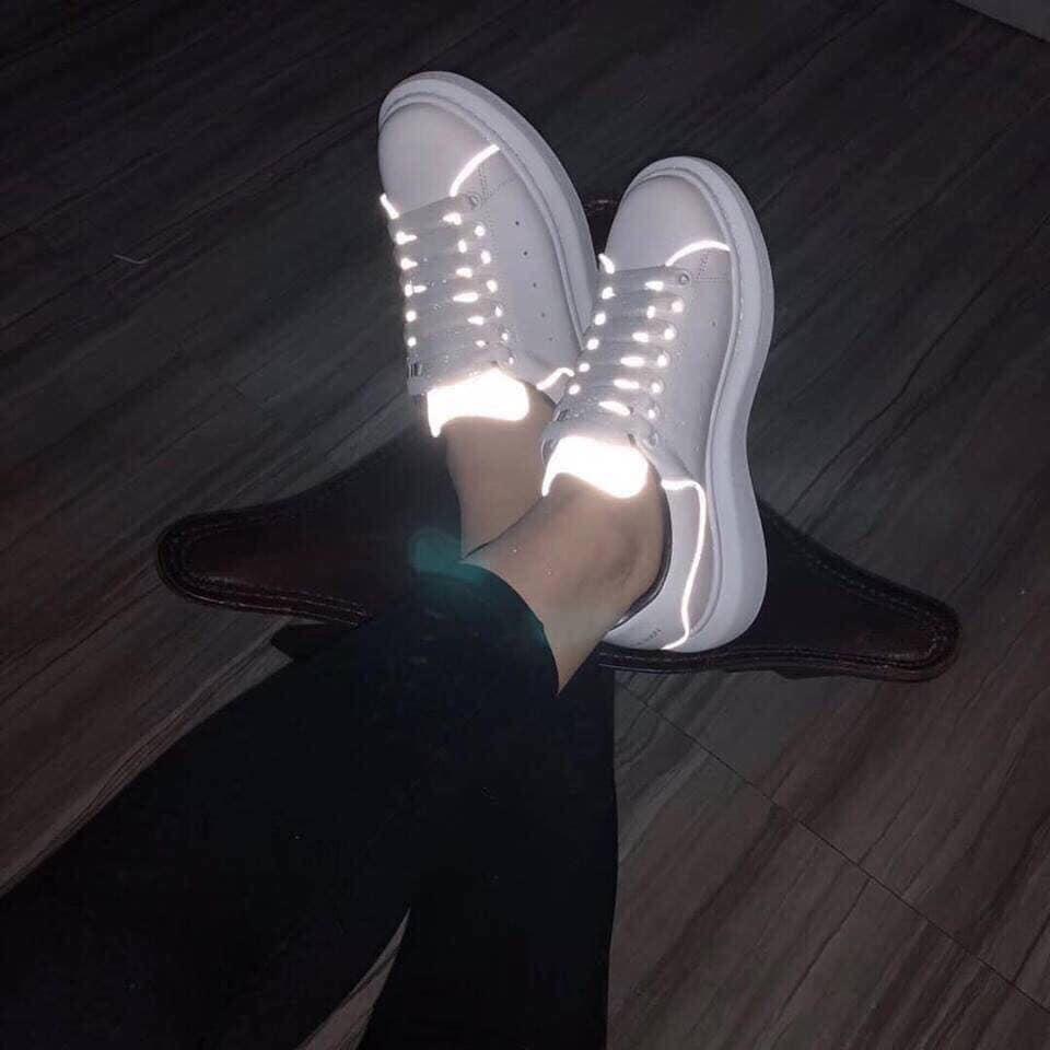 Top 12 mẫu giày sneaker đang được giới trẻ tích cực săn lùng - Ảnh 11.
