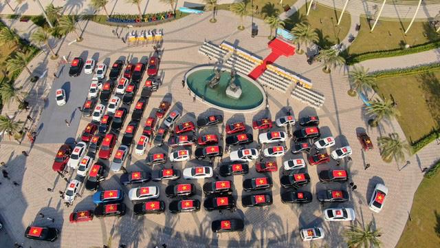 Dàn xe VinFast xếp thành hình chữ V khổng lồ - biểu tượng cho tinh thần mãnh liệt Việt Nam - Ảnh 5.