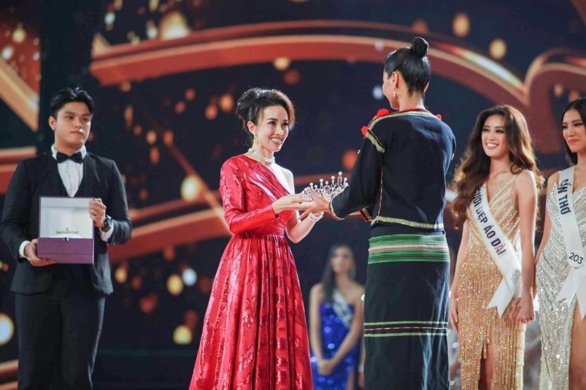 Tân Hoa hậu Nguyễn Trần Khánh Vân được trao vương miện Brave Heart - Ảnh 3.
