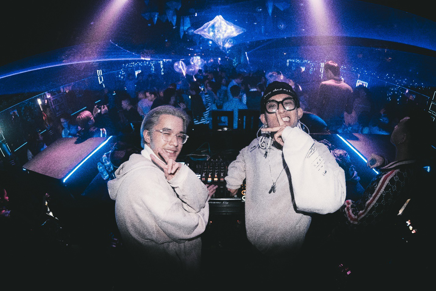Bộ đôi DJ điển trai Gaztik và hành trình khuấy đảo giới trẻ Việt Nam - Ảnh 3.