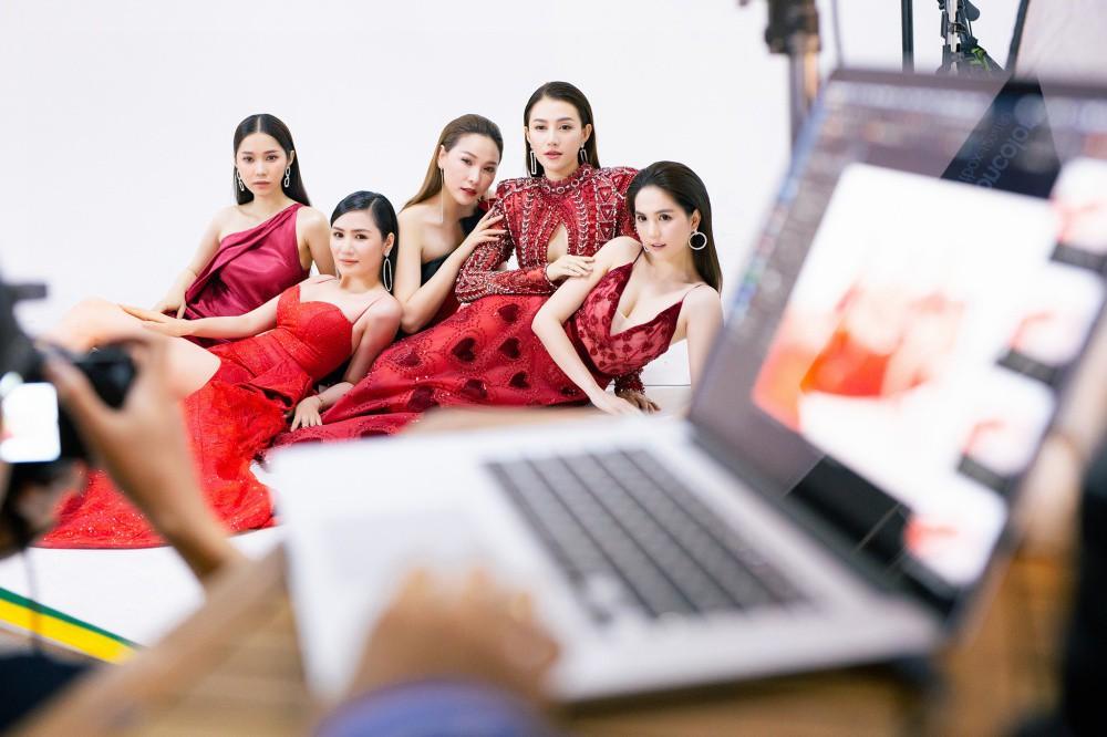 Ngọc Trinh hội ngộ Quỳnh Thư, Lê Hà, sẵn sàng sải bước catwalk lần cuối tại Đêm hội chân dài 12 - Ảnh 1.